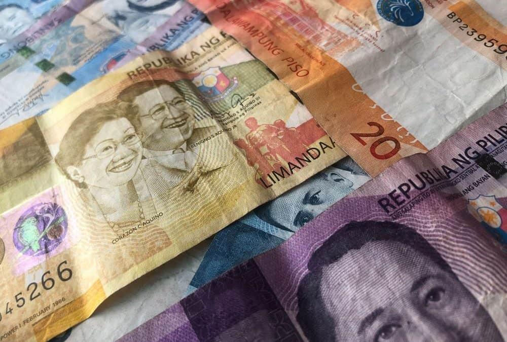dinero en filipinas