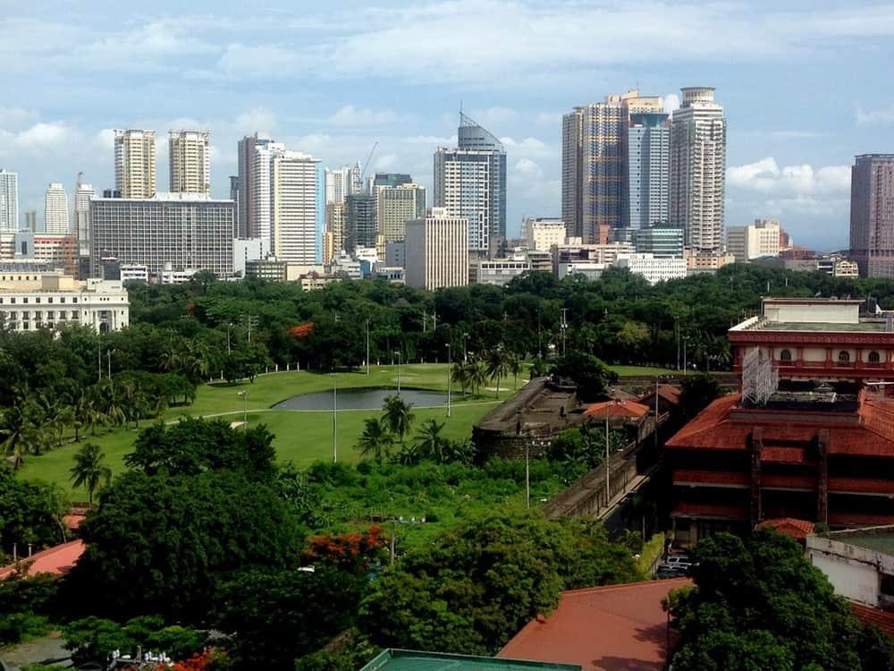 Vistas desde la terraza del Bayleaf Hotel en Intramuros