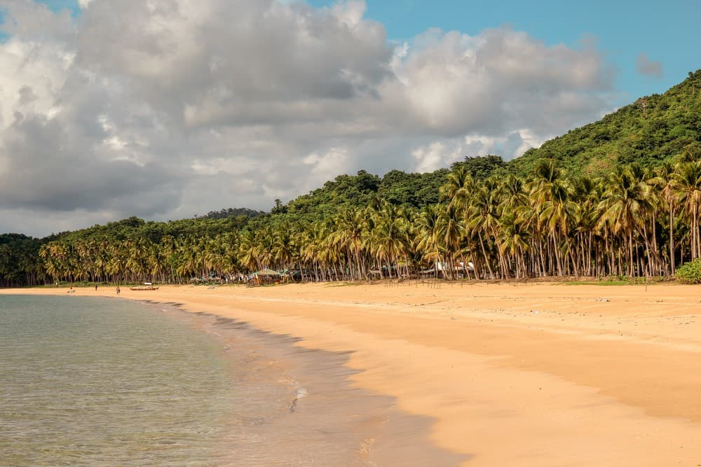 playa de Nacpan en El Nido Palawan