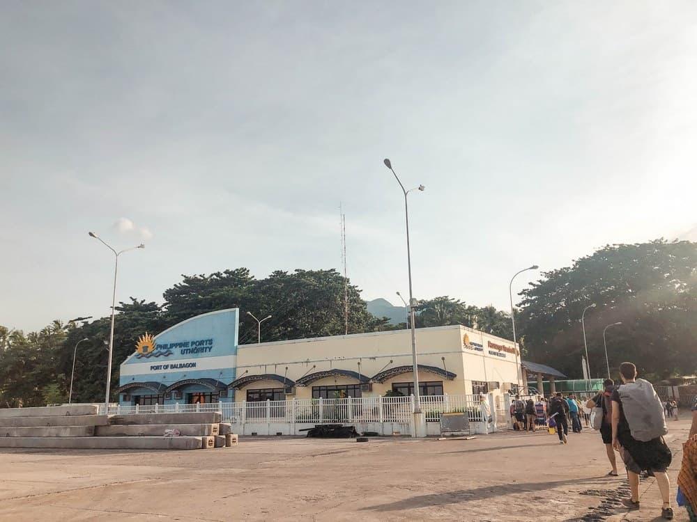 llegada al puerto de Balbagon en Camiguin