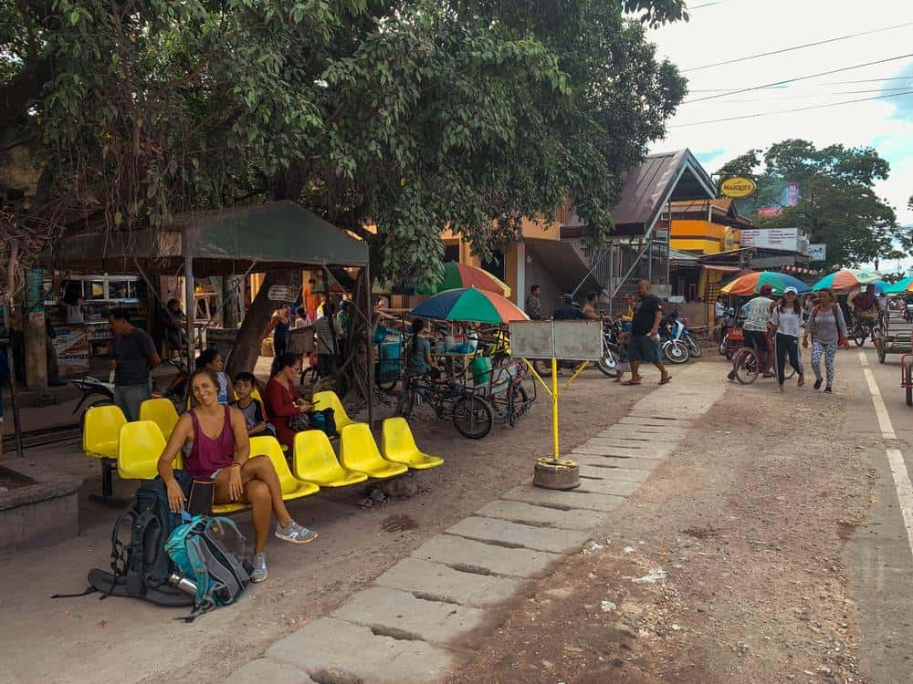 estación de buses de moalboal