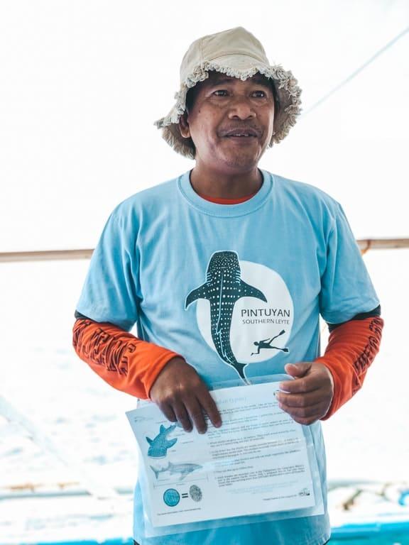 Guía de Pintuyan para nadar con tiburones ballena