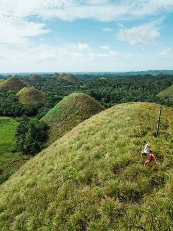 Ir a las Chocolate Hills es algo obligatorio que hacer en Filipinas
