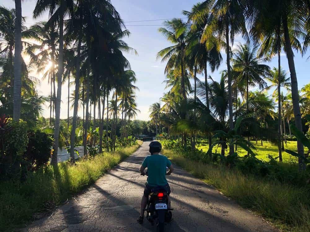 moto por carreteras de siquijor