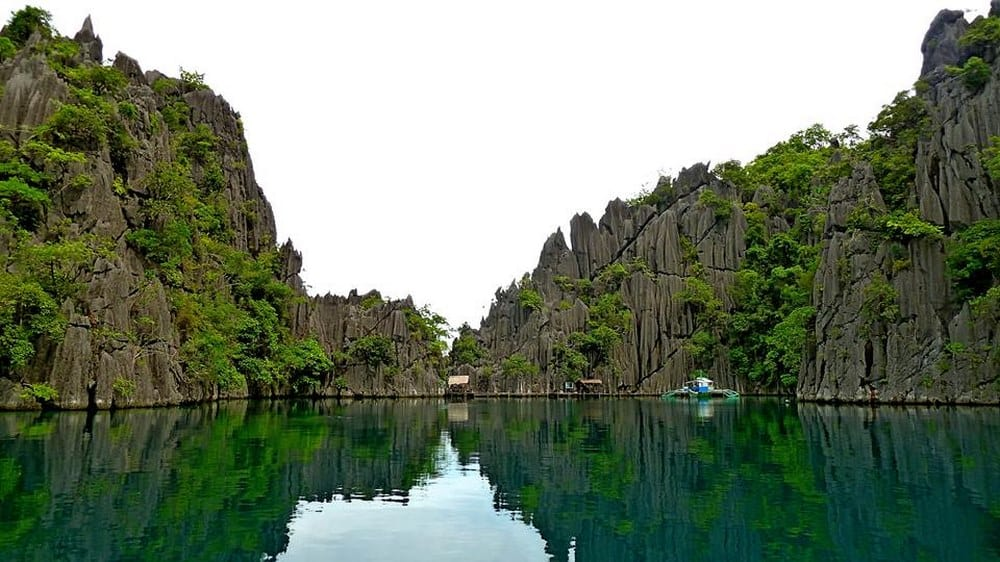 island hopping coron barracuda lake
