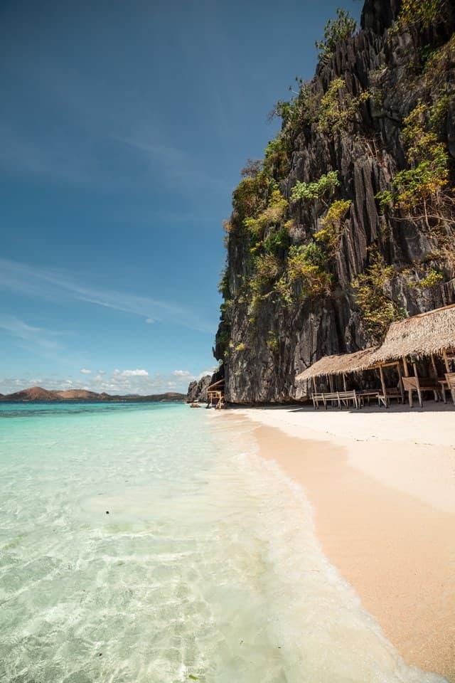 banol beach island hopping coron