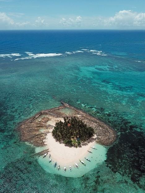 island hopping siargao guyam drone