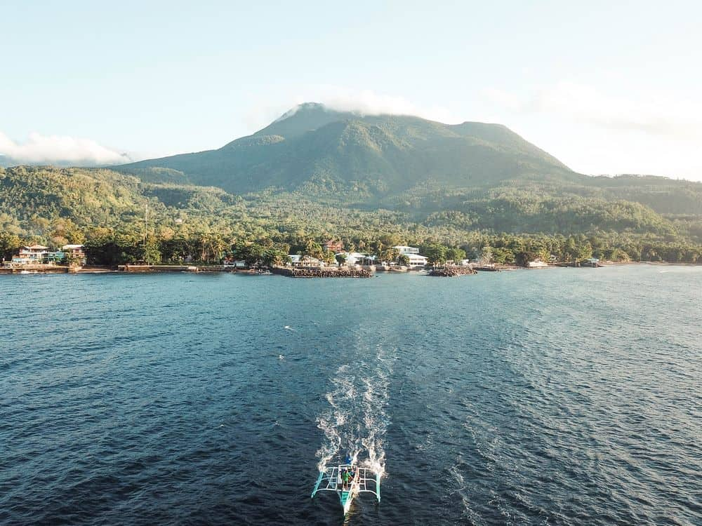bangka saliendo a white island camiguin