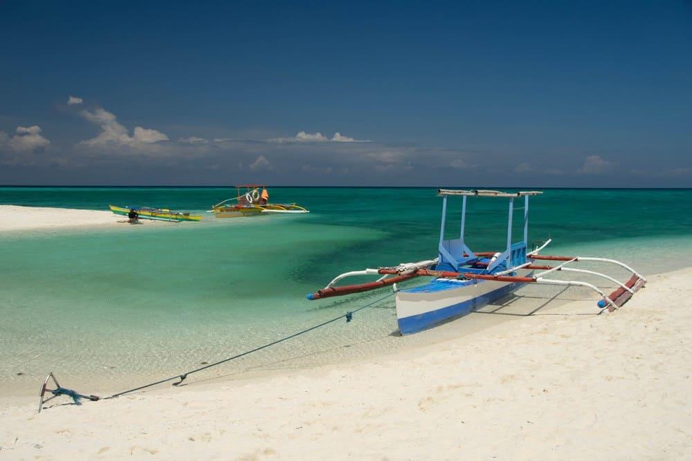 bangkas del island hopping a white island