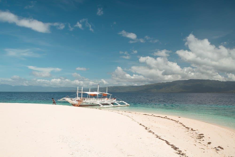 arena de mahaba island cuatro islas leyte