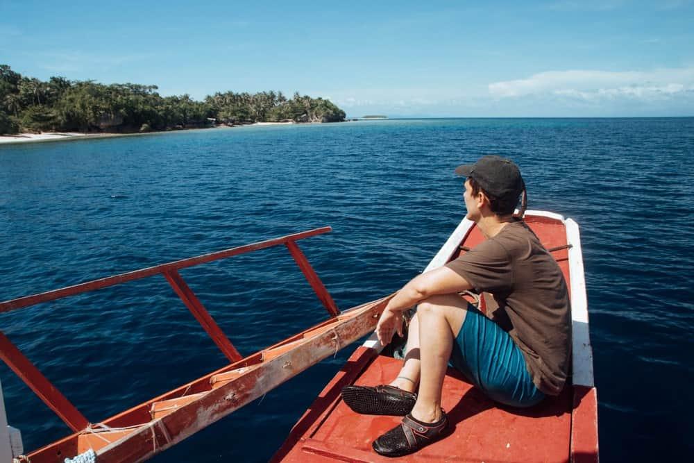 barco del island hopping cuatro islas leyte