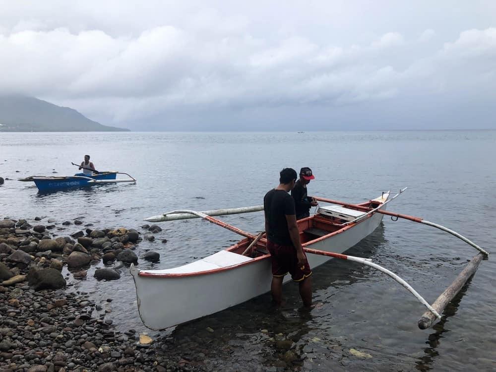 bangka para nadar con el tiburón ballena Pintuyan