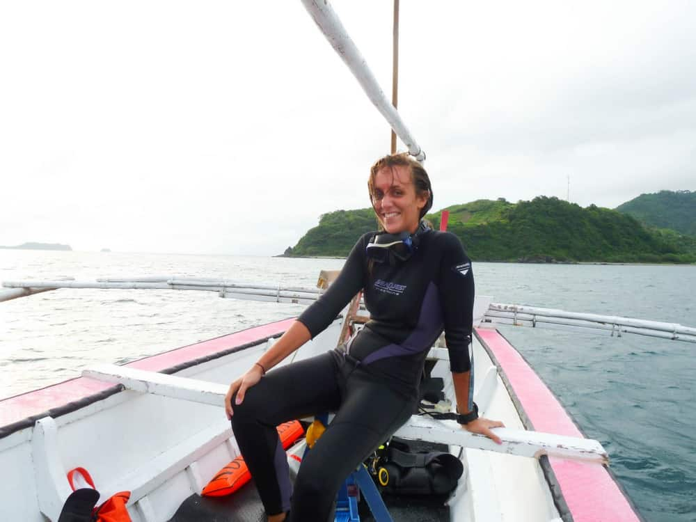 curso de buceo mujer sola filipinas