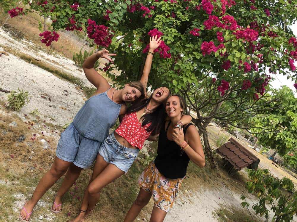 mujeres viajando por Filipinas