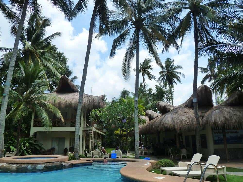resort Mike's Dauin