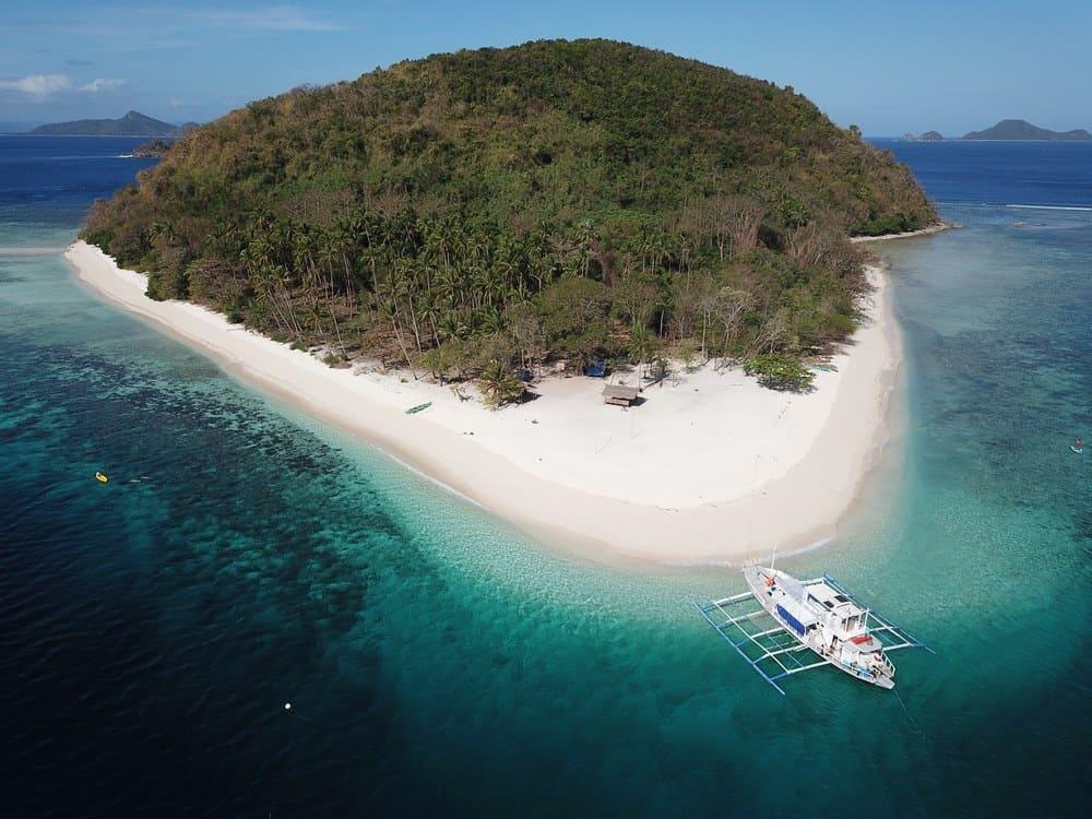 barcos para moverse por filipinas