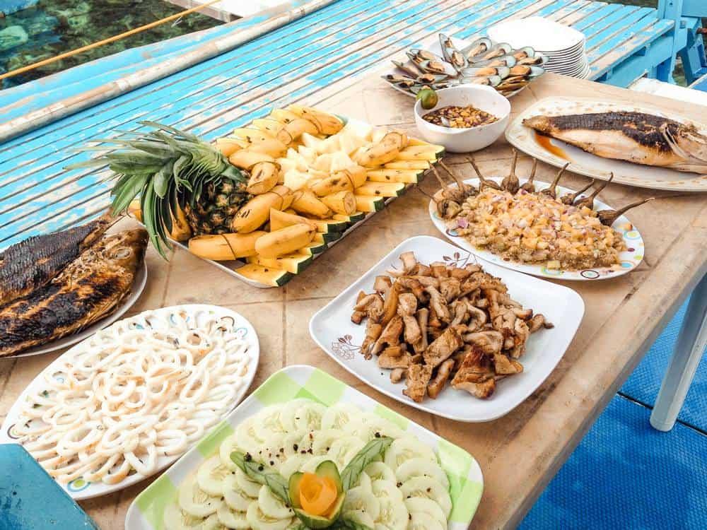 comidas en los island hopping de filipinas