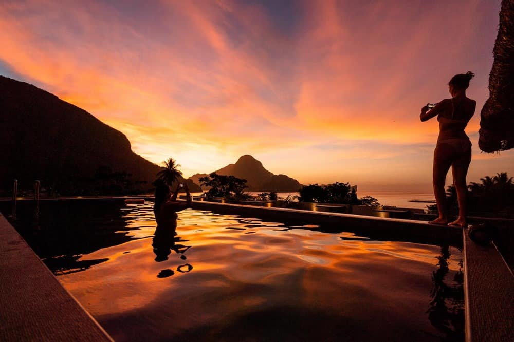 piscina infinity hostel frendz