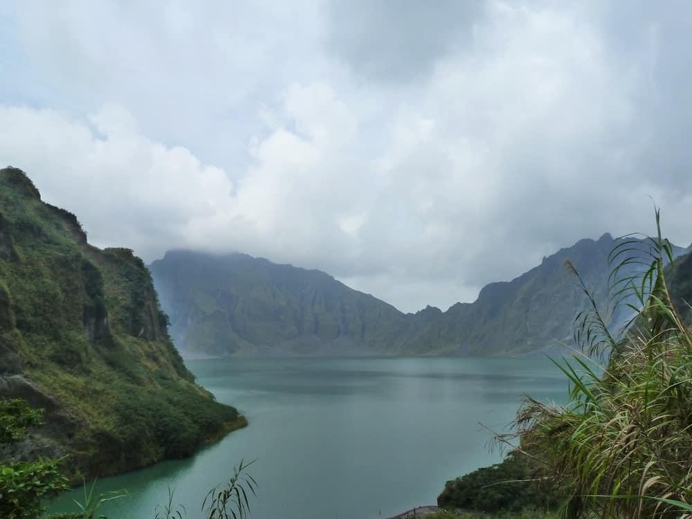 volcán pinatubo cráter
