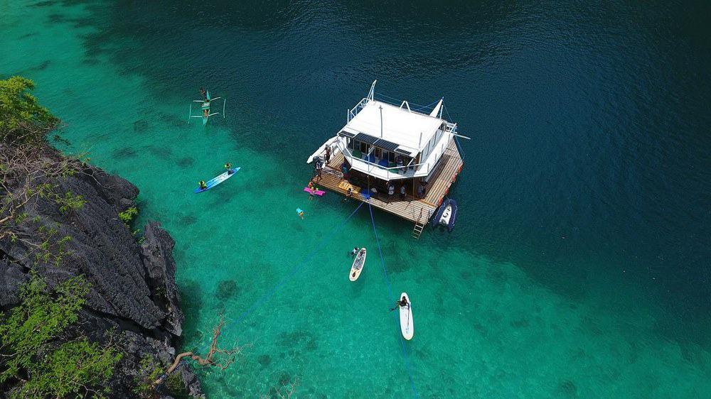 cabaña sobre el mar filipinas coron