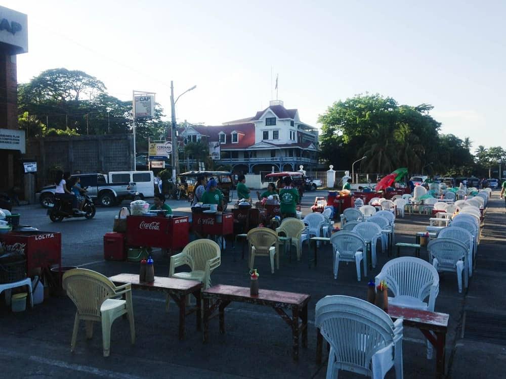 mercadillo nocturno Rizal Boulevard Dumaguete