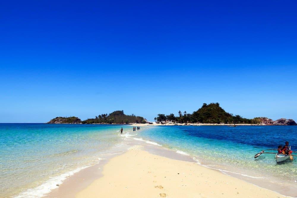 bantigue sandbar islas de gigantes