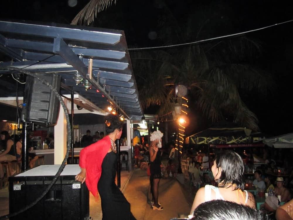 fiesta en Puerto Galera