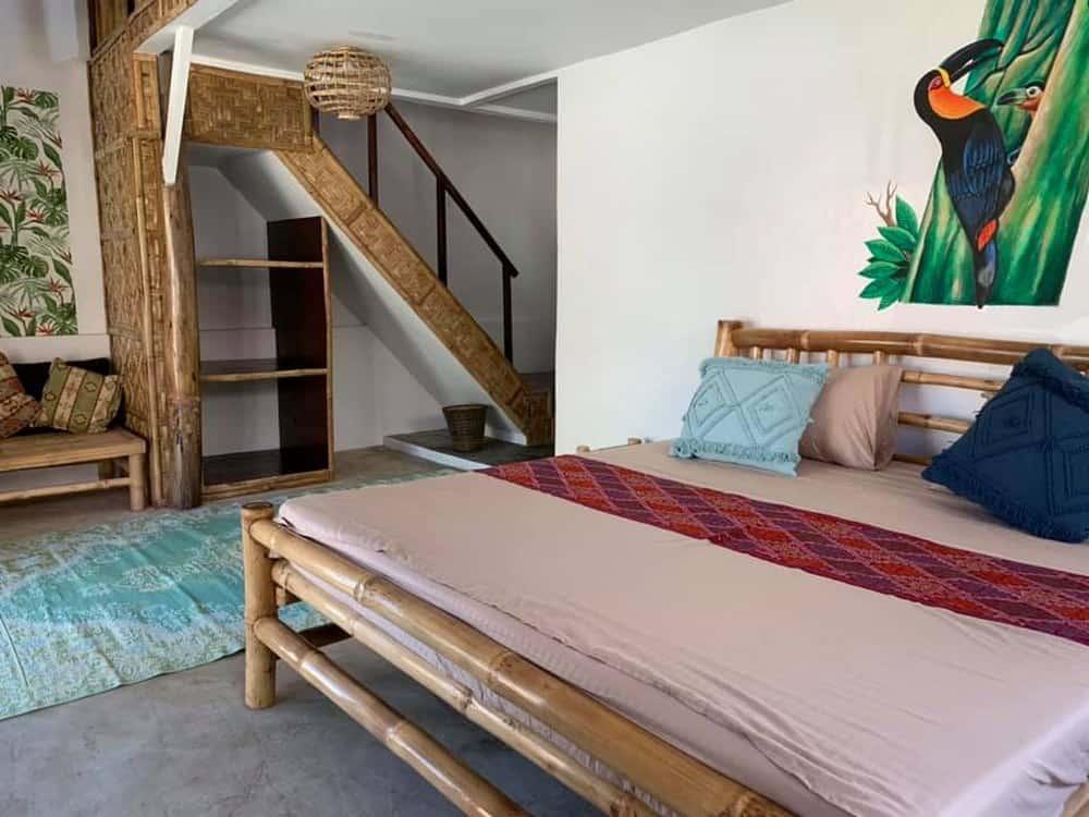 interior habitación Three Little Birds Resort Bohol,
